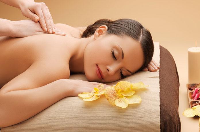 Czy znasz masaż tajski? Sprawdź, na co działa i gdzie możesz go wykonać!