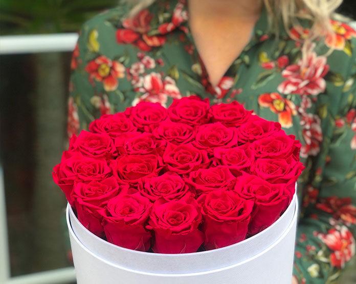 Kwiaty w nowej odsłonie idealne na prezent
